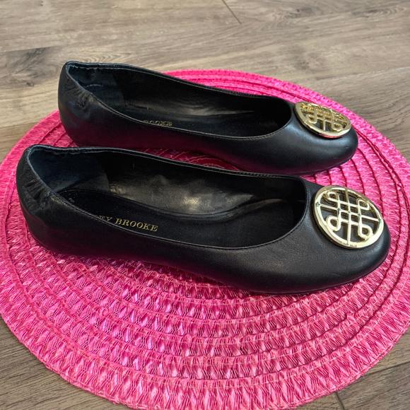 Audrey Brooke Shoes - Audrey Brooke Black Kristin Flats Size 9